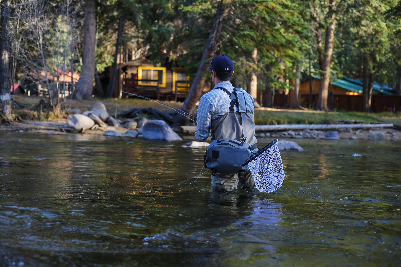 [渓流釣り必須の道具]足が濡れない長ズボン:ウェーダー
